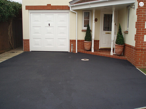 House Tarmac Driveways