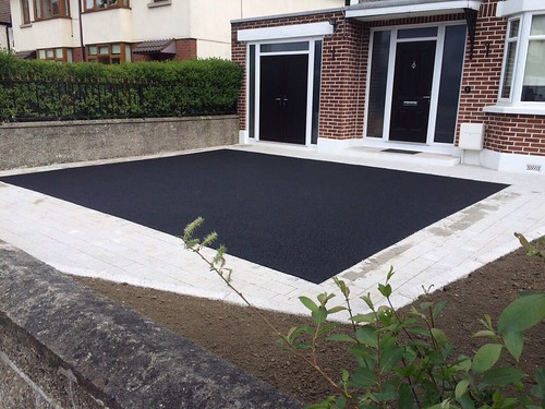 Tarmac Driveway Front House