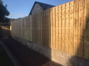Timber Hit and Miss Fencing